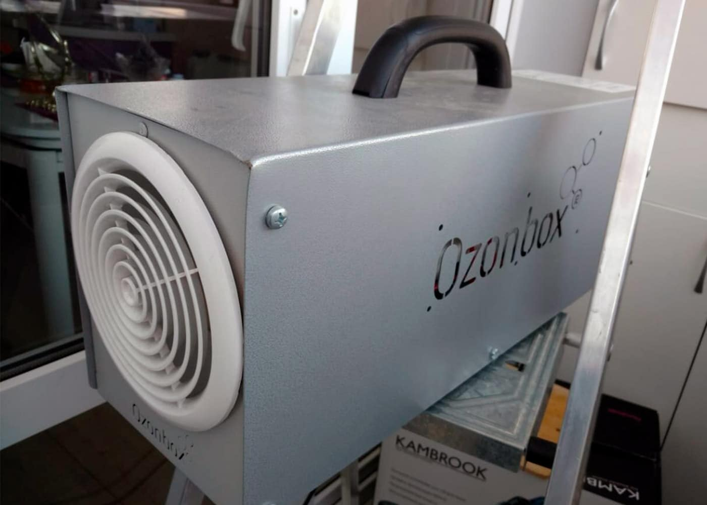 Промышленный озонатор для удаления запаха